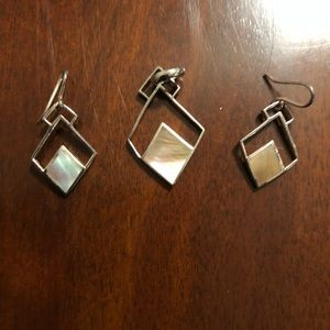 Mother of Pearl pendant and earrings set